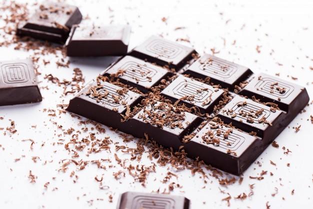 eat dark chocolate